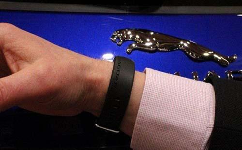 捷豹推出手环式车钥匙 装备无线射频识别感应器