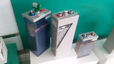 16,蓄电池的接线板,连接线均采用导电性能优良的铜材,接线板具有绝缘
